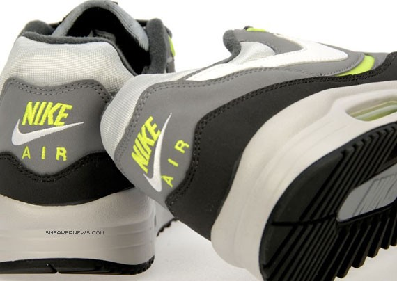 air-max-light-neon-3.jpg