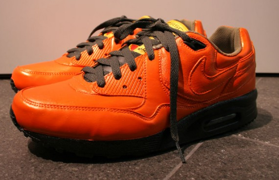 Nike Air Max Light Leyp x Purchaze x Porsche GT3 RS Collabo