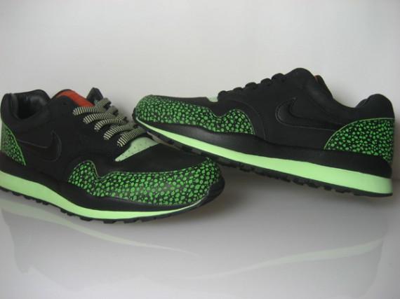 b49b6d1a0239 Nike Air Safari Supreme - Tech Pack - SneakerNews.com