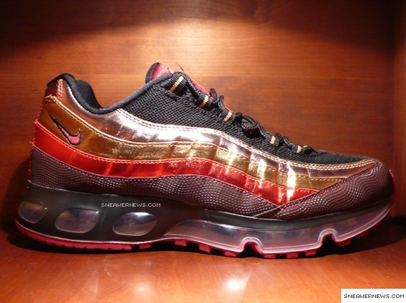 nike air max 95 360 black and red