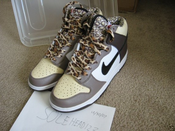 cheap for discount e7a33 098b7 Nike Dunk High Pro SB - Ferris Bueller - Boulder - Black - SneakerNews.com