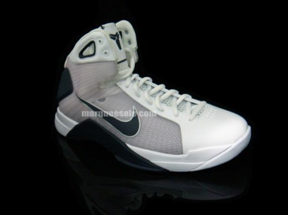Nike Hyperdunk Kobe PE