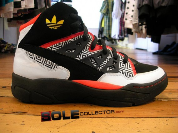 eterno Engreído desinfectante  Adidas Mutombo Retro - SneakerNews.com
