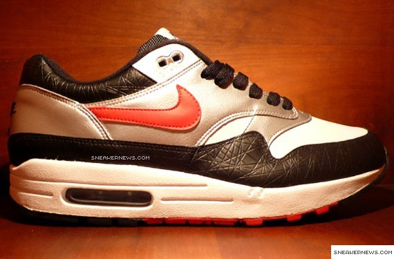 Air Max 1 Black And Red