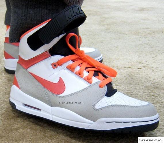 new product 57f3e d827f Nike Air Revolution - Hot Lava - SneakerNews.com