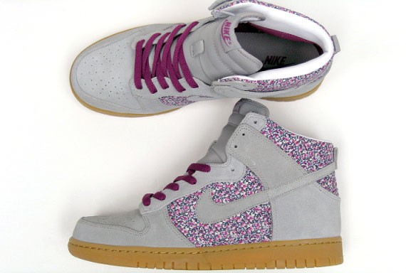 brand new e8fc9 33a1a new Nike WMNS Dunk High Liberty Fabric Pack Now Available