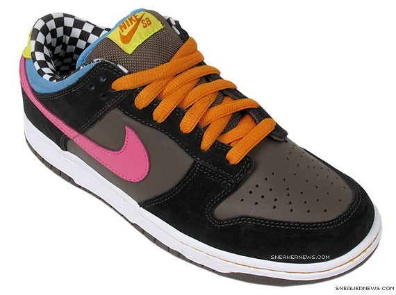 finest selection faba7 5dd18 Nike Dunk Low Pro SB - 720 Degrees - Dark Charcoal - Light Pink -  SneakerNews.com