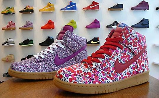 buy online bfbf8 e9d24 Nike Womens Dunk High - Liberty Fabric Pack - Tier 0 - Sneak