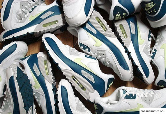 Nike Air Max 90 Hot Lime JD Sports Exclusive in NYC