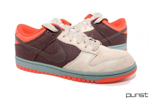 Penetración Abrasivo Deshabilitar  Nike Dunk Low CL - Reed/Olive/Chile Red - SneakerNews.com