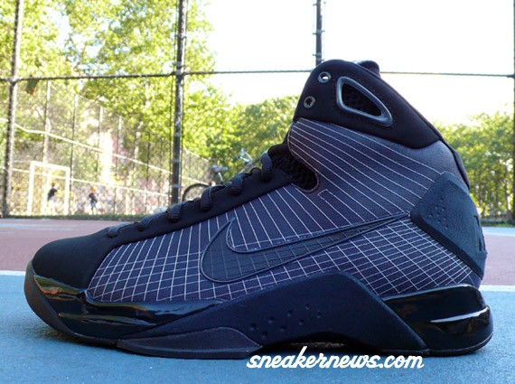 08d7b67437cd Nike Hyperdunk - Black - Anthracite - SneakerNews.com