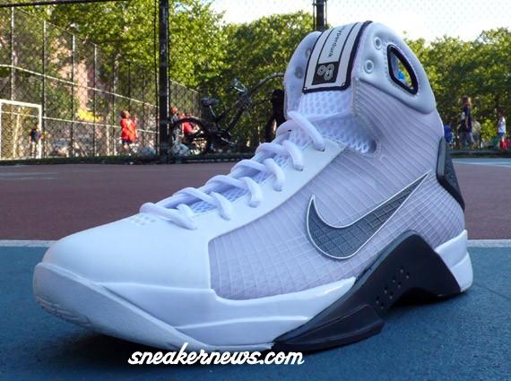 a5a7a6264a83 Nike Hyperdunk USA - 2008 Olympics - SneakerNews.com