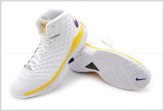 check out 22a30 6f2c4 Nike Zoom Kobe III SL - LA Lakers MVP PE