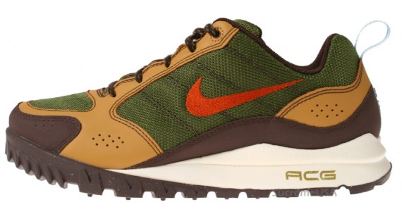 nike-sportswear-holiday-2009-boots.jpg