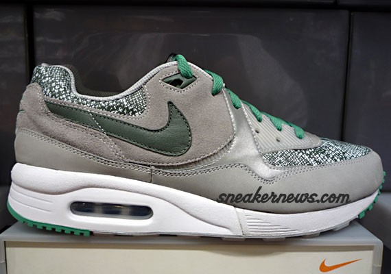 huge discount 52766 426ae Nike Air Max Light - Grey - Green Snake - Sample