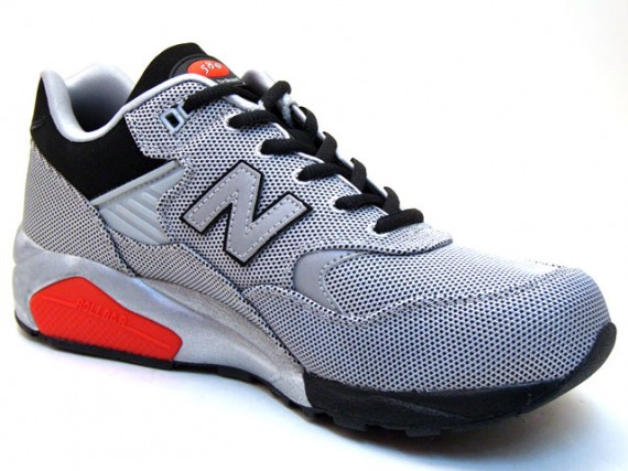 New Balance MT580J - Luggage Collection