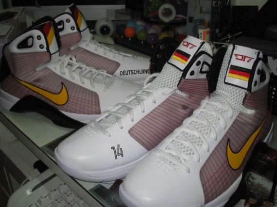 fef8861f3f5b Nike Hyperdunk - Germany Nowitzki PE - SneakerNews.com
