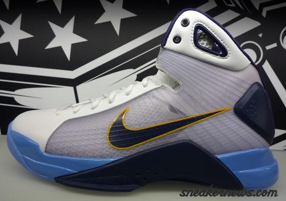 low priced 170ba 3ddcd Nike Hyperdunk - Manu Ginobili PE - SneakerNews.com