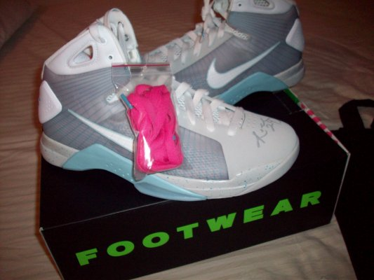 sports shoes 5e3b9 1a56b Nike Hyperdunk McFly Released Officially 60%OFF
