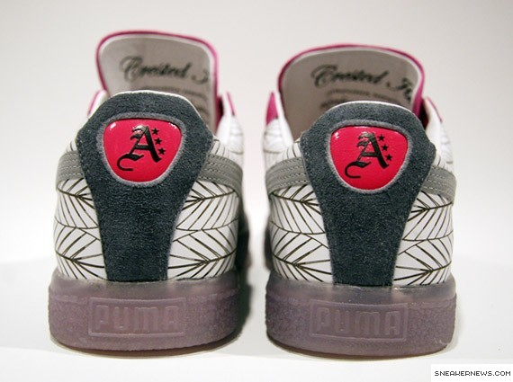 96d7171b1be well-wreapped PUMA Clyde x Atmos x Mitsuaki Iwago Crested Ibis ...