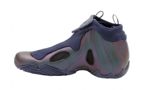 83a00bdbeb1c Nike Flightposite - Midnight Navy - Pine Green - SneakerNews.com
