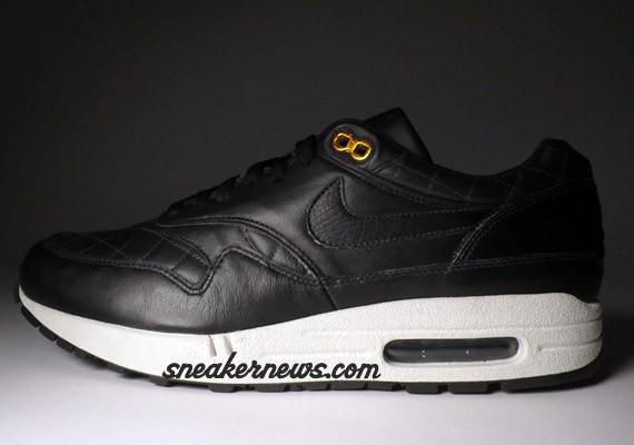 probable tensión esculpir  Nike Air Max 1 Premium - Quilted Leather - Black - SneakerNews.com