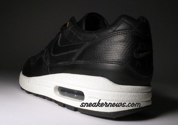 Nike Air Max 1 Premium - Quilted Leather - Black