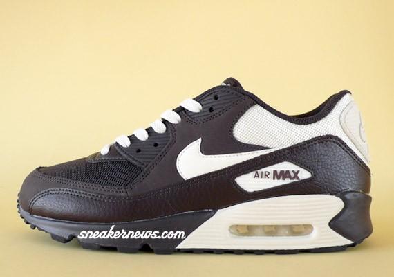 Nike Air Max 90 - Tar - Sail - SneakerNews.com