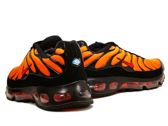 133116151387e Nike Air Max Plus 360 - USA Foot Locker Exclusive - Orange Blaze ...