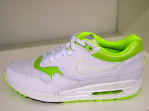 Nike Air Max 1 neon green | Nike air max premium, Nike air