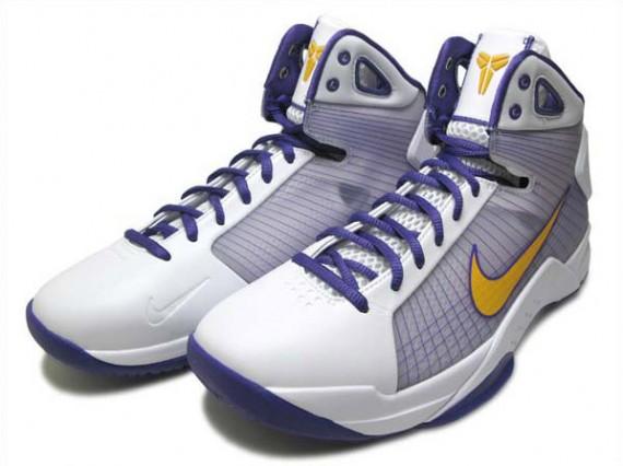 Kobe Bryant Nike Hyperdunk Supreme