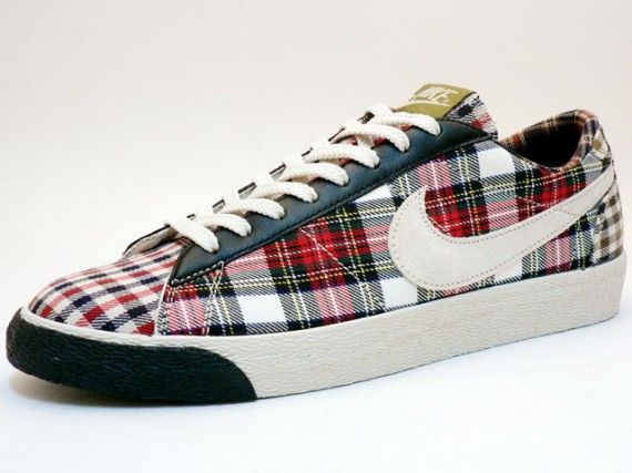 nike shoes women's plaid 948816
