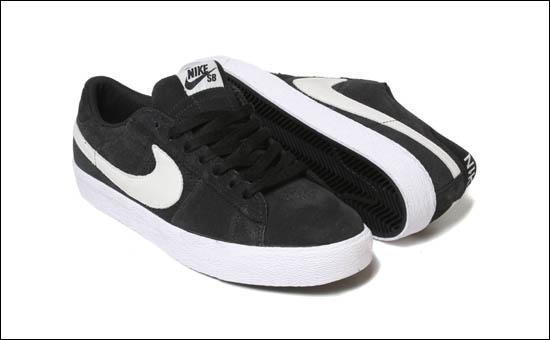 Nike SB Blazer Low Black White Quickstrike