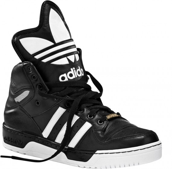 Yesterday we showed you what one of the Jeremy Scott for adidas Originals Artillery Hi's looked like and today we have for you another shoe in the Jeremy ...