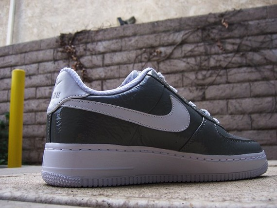 Nike Air Force One (1) - Quickstrike
