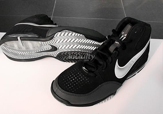 timeless design 41398 e65ab Nike Air Max Spot Up - Dirk Nowitzki Signature Shoe