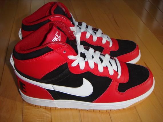 violencia hidrógeno Generalmente hablando  Nike Big Nike High Retro - Summer 2009 - SneakerNews.com