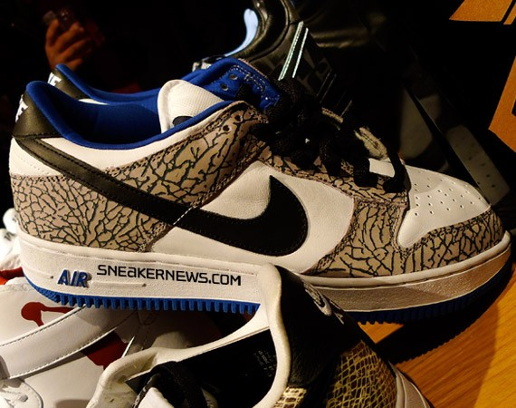 Nike Air Force 1 x Dunk Low SB - White Supreme - SneakerNews.com