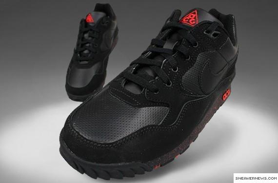 Nike Air Wildwood GS - Black - Red