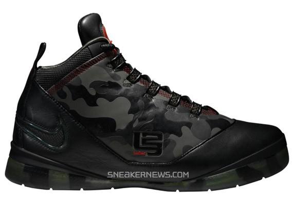 9b92a9ac4a1 Nike Zoom Soldier II - Camo Edition   Nikestore - SneakerNews.com