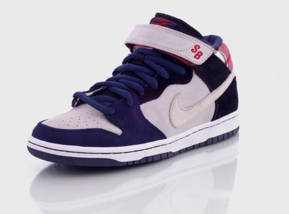 cheap for discount 4ee41 b3206 Nike Dunk Mid SB - Goofy Boy - SneakerNews.com