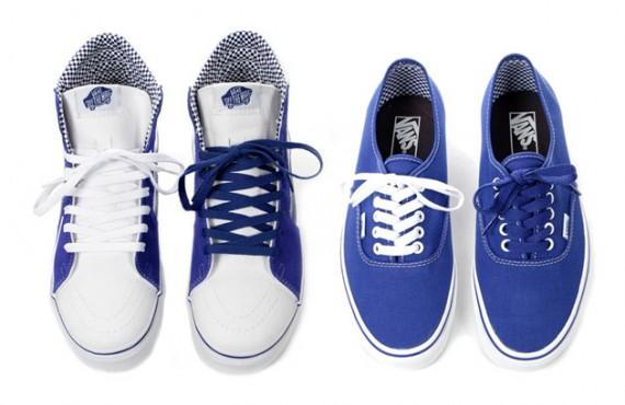 vans-royal-blue-checkered-pack-1.jpg