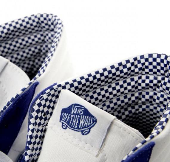 vans-royal-blue-checkered-pack-3.jpg
