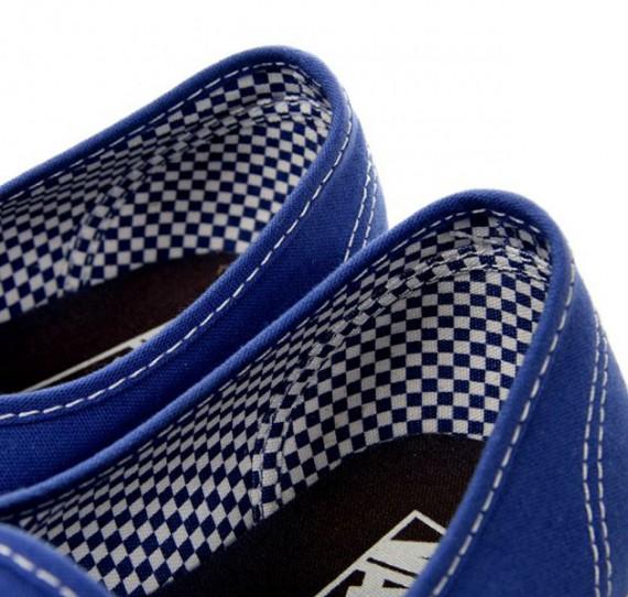 vans-royal-blue-checkered-pack-5.jpg