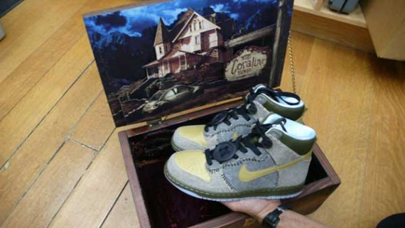 wholesale dealer 0131a 08a03 Nike x Coraline Dunk – Wooden Box Edition – 1 of 15