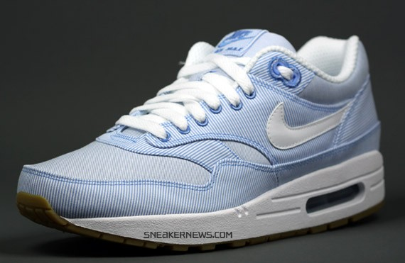 air max blue stripe