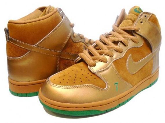 ike Dunk High Pro SB  Lucky  Wheat  Metallic Gold