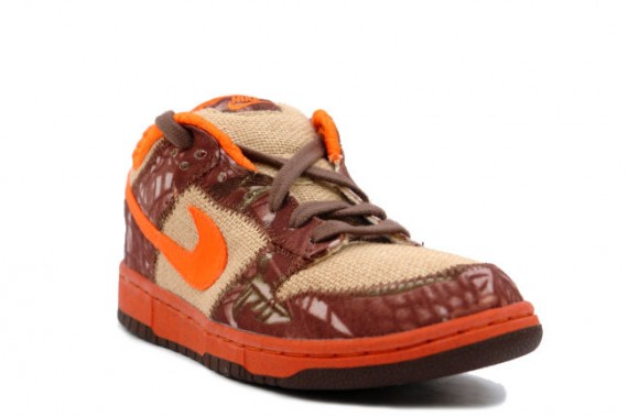 lowest price 2abd5 11304 Nike Dunk Low Pro SB - Hunter - Natural Burlap - Orange Blaze