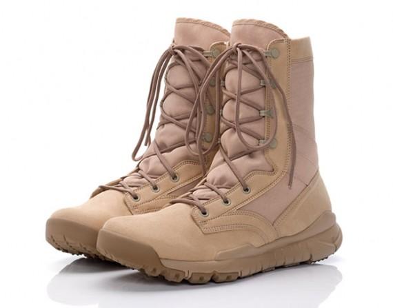 nike acg combat boots