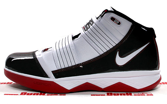 89a94411611 Nike Zoom LeBron Soldier III - Playoff Pack (POP) - SneakerNews.com